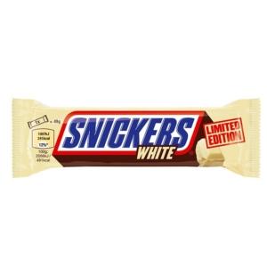 Snickers Karamellás földimogyorós krémes szelet frissen pörkölt földimogyoró darabokkal fehér csokoládéba mártva 49G